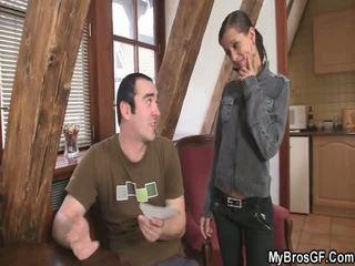 Bf finds zijn meisje cthat guyating