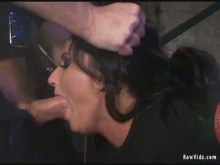Si rambut coklat pantat/ punggung fucked oleh miang/gatal polis