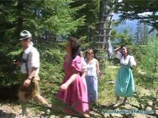 Foresters ja lihtne dolls having imbecilic meeskond porno sees avatud õhk