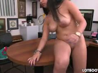 brunette, tout gros seins, doggystyle grand