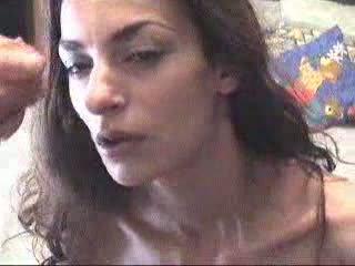 اللغة اليونانية فتاة receives ل تجميل الوجه فيديو