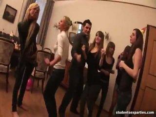 Mischen von videos von student ficken parties