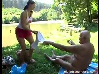 かわいい ティーン 女性 shags とともに 古い grey 男