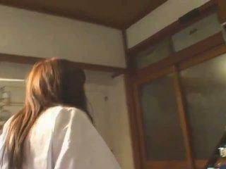 חזה גדול אסייתי hitomi tanaka ב ציבורי bath