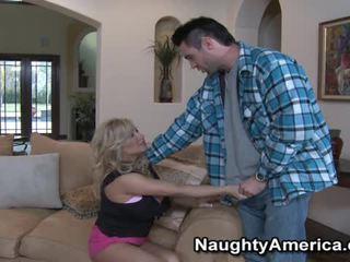 বড় tits, pornstars, big tit bitch gets fuck