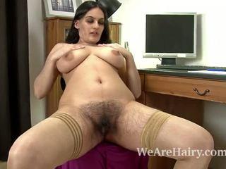 Sexig riani fingers henne hårig fittor på den reception