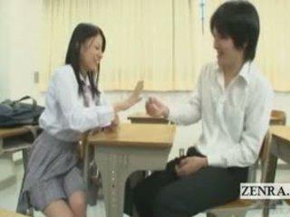 Subtitled apģērbta sievete kails vīrietis japānieši skolniece klase izstāde un pastāstīt
