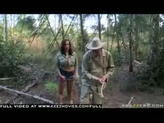 Kelly divine - atak z the jugg głodny bees!