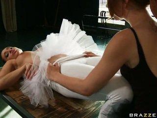 Cocoa swan në një ballet i madh core