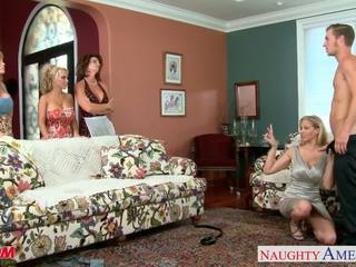 Moeders darla crane, deauxma, holly halston en julia ann shari