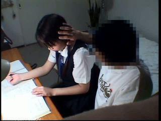 Školní studentská dívka sexuální obscénní scéna