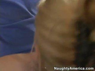 Breasty lehrer emma starr plugs ein riese schwanz im sie mund
