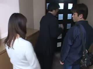 Japonesa mãe apanhada dela husbands masturbate vídeo