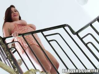 Brazzers - karlee grey sucks גדול זין