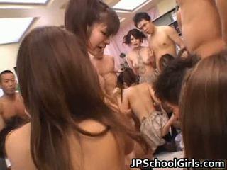 לצפות חופשי אסייתי פורנו ב בית ספר נערה מדים חופשי זרם