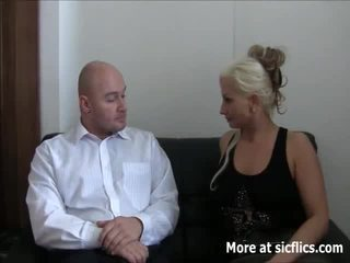 Brutaal fist neuken squirting orgasms