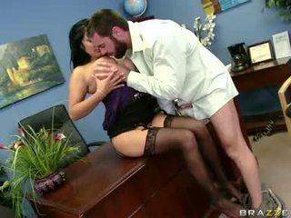 Sexually excited sophia lomeli gets suo bocca busy engulfing un difficile uomo leccalecca