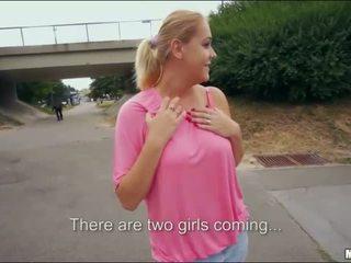 Blondinė bomba paryžius saldus viešumas seksas