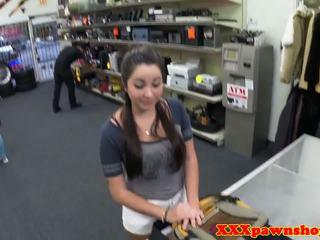 Amadora pawnee fodido em pawnshop counter: grátis hd porno 8a