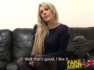 Fakeagentuk spunk gargling čehi fucks agent: bezmaksas porno 17
