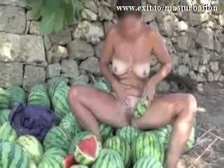 Utomhus melon masturbation nudisten giselda video-