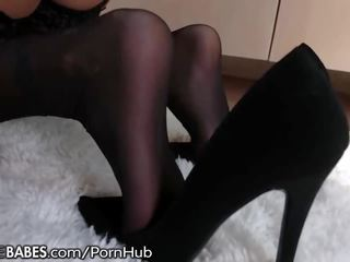 FootsieBabes Stepmom Lets Son Cum on Toes