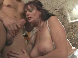 sušikti, big boobs, grannies
