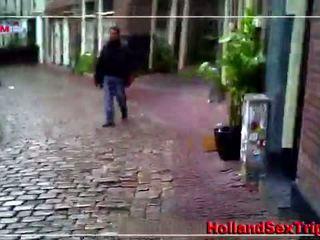 Two toerist plukken omhoog een rood licht lul zuigen slet