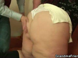 Avó friends: gorda putas frilled por um jovem guy