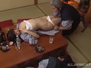 Sleaze arisa has suo giapponese miele pot shaged da matura guy