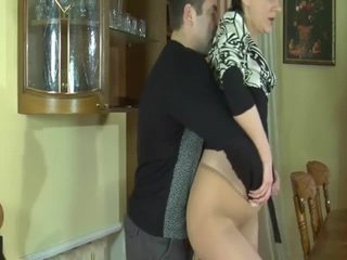 Brunet betje eje seduced by dude that bangs her