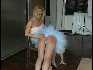 Ballet dancer spanked kemény által tanár videó