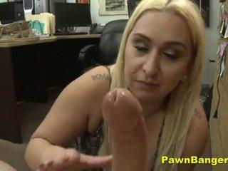 Sleazy māte cashes uz viņai vāvere