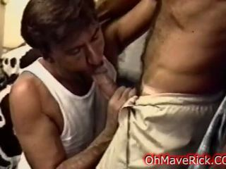 Hard sexy hunks zuigen cocks