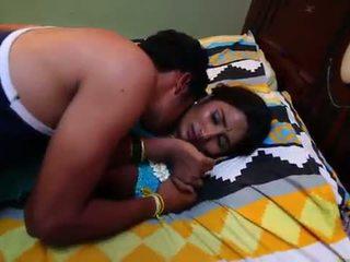 Indisk hemmafru romantik med newly gift bachelor - midnight masala filmer -