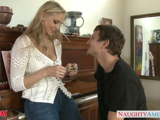 Milf i sexy jeans julia ann gets nailed