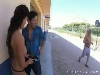 Công khai nudity teasing đến nóng blowjob