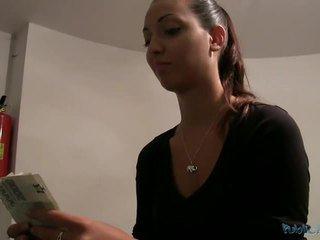 Amateur casey poesje pounded voor geld