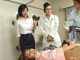 Japoniškas av modelis yra priverstinis į turėti seksas