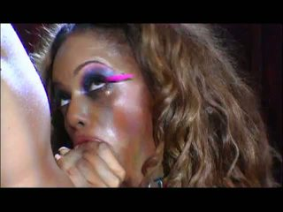 Stripper kurvë gets two cocks në udhëtim