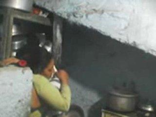 Suivant porte indien bhabhi sexe