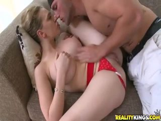 Young gyz with seksual body