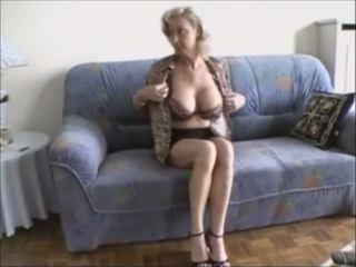 velká prsa, sexuální hračky, striptýz