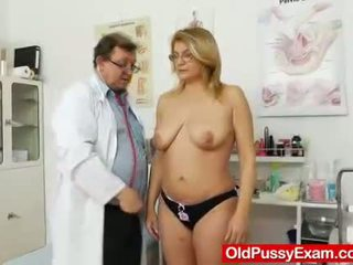Experiencing pleasures trong khi một phụ nữ gyno
