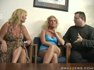 Samaitātas blondīne ahryan astyn has viņai taco banged uz the klasesistaba