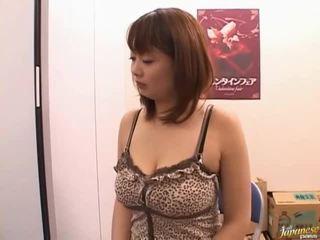 veľké prsia, kancelária sex, môžem sať sám