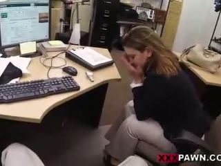 Foxy businesslady gets fucked lược