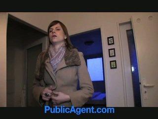Publiek agent fucks zwanger marketa