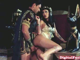 Cleopatra jāšanās cits roman dude