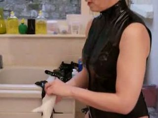 Video sm maitresse claudiacuir dominatrice godeuse fist